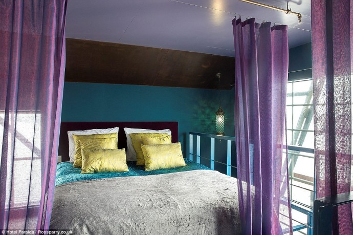 amsterdams-crane-hotel-4-690x459